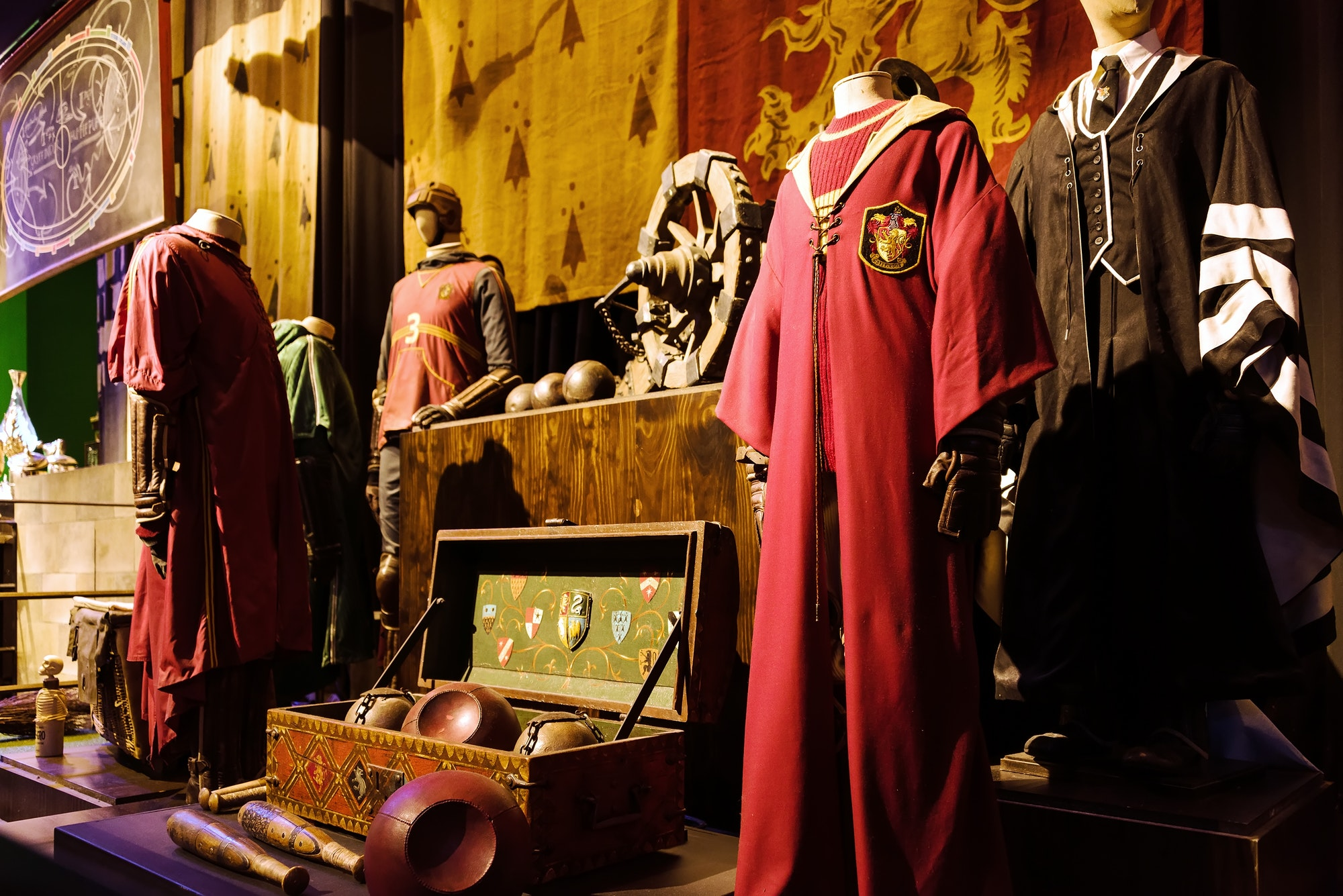 at-the-warner-brothers-studio-tour-the-making-of-harry-potter-.jpg
